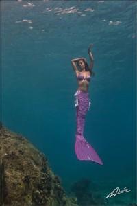 Professional Mermaid Model Kat posing Underwater
