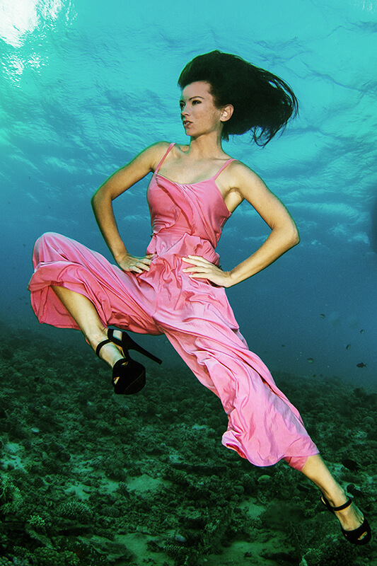 Underwater Dance photography with fashion model Kat