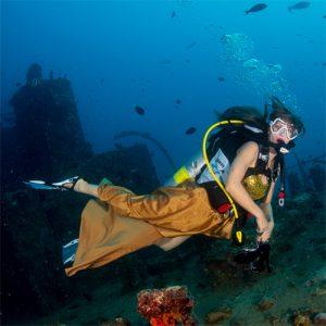 Underwater modeling tips - no buddy breathing