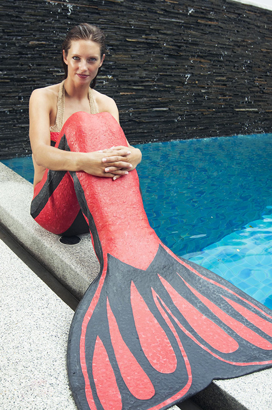 become a mermaid - Kat in her first mermaid tail