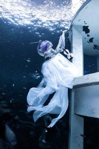 Katrin Gray modelling underwater at TODI in Belgium