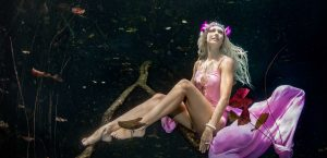 Underwater Modelling with Pofessional Mermaid Kat