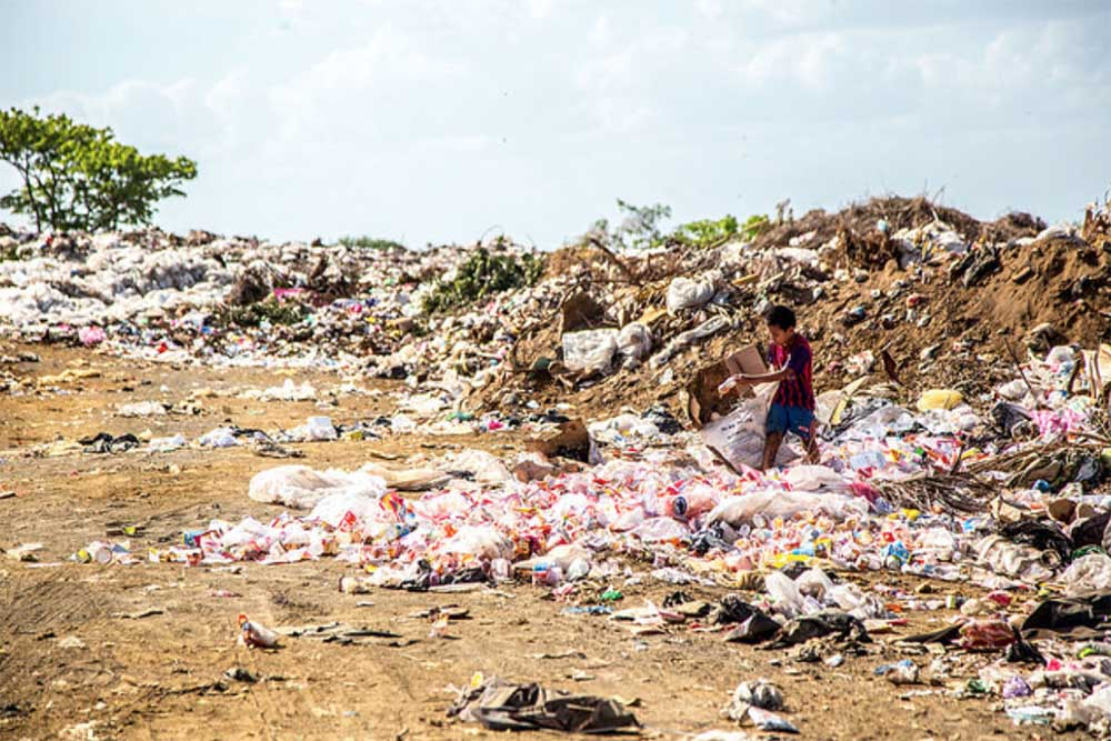 Plastic stinks