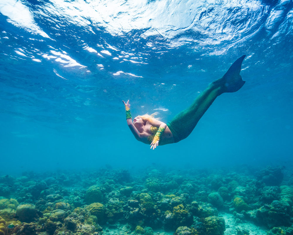 Underwater mermaiding