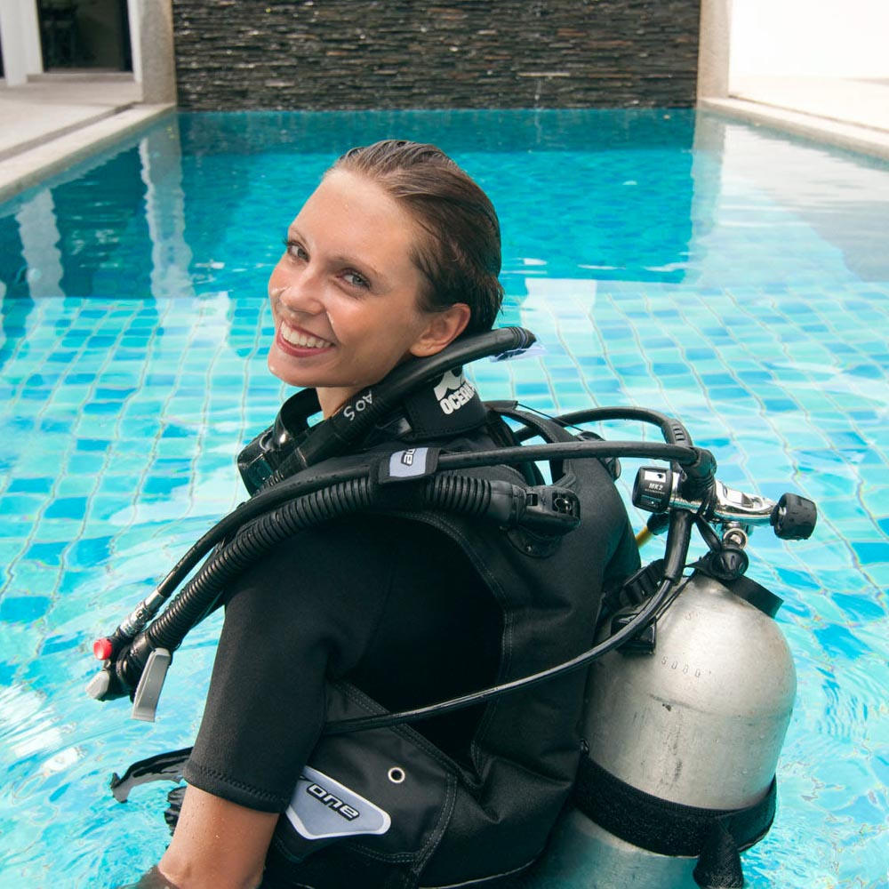 Katrin Gray is a fully trained Scuba Instructor