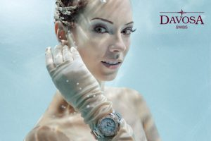 Underwater shoot for DAVOSA watches with underwater model Mermaid Kat